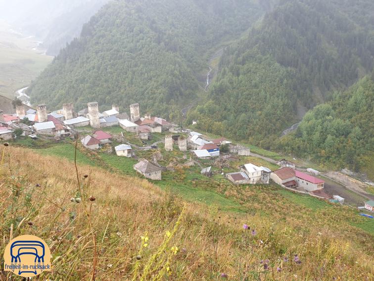 das Dorf Adishi auf meiner Wanderung von Mestia nach Uschguli