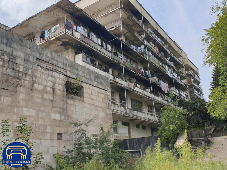 das ehemalige Hotel Sakartvelo, das heute noch als Wohnhaus genutzt wird